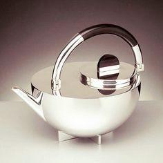 #NEXTBAUHAUS #TEATIME #BRANDT #BAUHAUS | Teapot 1924 by Marianne Brandt for Bauhaus Movement - Design and Architecture by www.bauhaus-movement.com