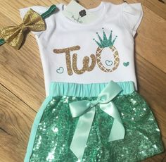 Our soft cotton onesies run true to size and our Carters sizing Gold sequin pants have soft matching cotton on the back for babys comfort . This outfit pairs perfect for any birthday theme ! Turn around is 7-14 business days