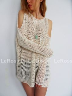Open shoulders by LeRosse – Roseuniquestyle Oversized/Slouchy knit sweater/tunic. Open shoulders by LeRosse Oversized/Slouchy knit sweater/tunic. Open shoulders by LeRosse Poncho Pullover, Tunic Sweater, Loose Knit Sweaters, Cardigans For Women, Crochet Clothes, Ideias Fashion, Knitwear, Couture, Crochet Top