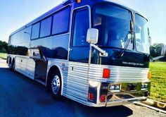 Bus Rv Conversion, Motorhome Travels, Fun Travel, Silver Eagles, Exterior Paint, Coaches, Trucks, Trainers, Truck