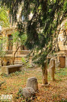 Curtea casei Macca Other Countries, Timeline Photos, Cityscapes, Paris, History, Country, Beauty, Bucharest, Montmartre Paris