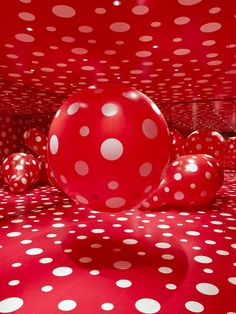Yayoi Kusama - Reach Up to the Universe, Dotted Pumpkin, 2011 Yayoi Kusama, Red Dots, Polka Dots, Color Explosion, Rouge Paris, Instalation Art, Psychedelic Colors, Japanese Artists, Shades Of Red