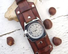 Mens Leather watch Right-hand watch Leather by Jullyetcreations