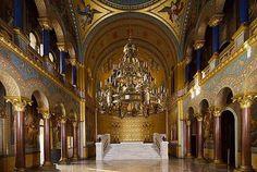 Amazing-Throne-Room-Inside-The-Neuschwanstein-Castle.jpg (600×402)