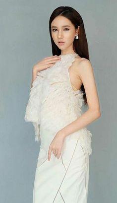 cute LB YOSHI Yoshi, Nong Poy, Transgender, Role Models, Love Her, Queen, Formal Dresses, Elegant, Beauty