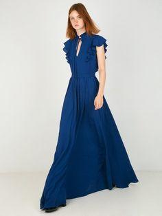 Φόρεμα με εντυπωσιακό ντεκολτέ