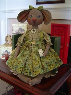 Primitive fabric Doll, Folk Art Mouse, Missy, Cheese special order with buy it now