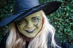 Gruselgesichter #schminken, z. B. ein Hexengesicht. #Kindergeburtstag. Die ganze Schminkanleitung gibt's hier: http://magazin.sofatutor.com/eltern/2015/10/16/halloween-make-up-schminktipps-fuer-hexe-totenkopf-und-vampir/