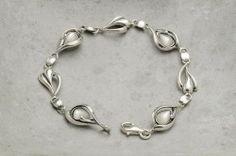 Armbånd i sølv med hvit stein Silver Jewelry, Ring, Bracelets, Wristlets, Rings, Silver Jewellery, Jewelry Rings, Bracelet, Arm Bracelets