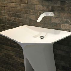 MyBath Silence standing washbasin designed by Mac Stopa www. Concrete Bathroom, Bathroom Basin, Vanity Design, Bath Design, Corian Sink, Corian Solid Surface, Luxury Toilet, Washbasin Design, Kitchen Hardware
