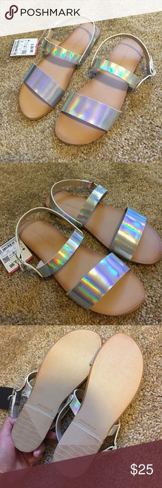 NWT Zara Silver Sandal Brand new with tag. Size 6. Bought it from Zara store. Zara Shoes Sandals