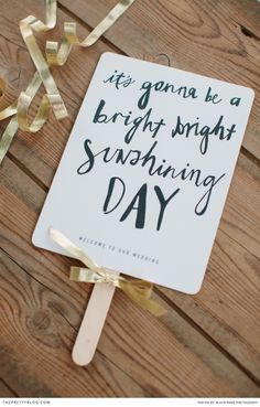 Summer DIY! FREE Printable! DIY by: Elephantshoe | Photographers: BlackFrame Photography |