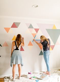 Inspired By This A DIY Geometric Wall Mural with BEHR Paint - - We had a difficult time determining what to do with this blank space at home. So, we teamed up with Behr to create an awesome DIY geometric wall mural! Room Wall Painting, Diy Painting, Wall Paintings, Wall Painting Design, Faux Painting, Painting Furniture, Diy Wall Art, Framed Wall Art, Mural Wall Art