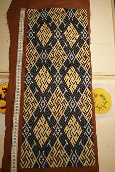 German Brick Stitch II – 13th century pattern – status: embroidery finished / 236h 18min :)