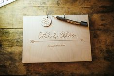 Wooden Guest Book Lila's Wood Wedding Two-D Photography #GuestBook #Wedding