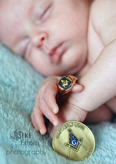 "Freemason baby: 3rd generation; NATURAL BORN OPPRESSORS!! ""SAY NO TO FREEMASONS/ILLUMINATI/KNIGHTS OF MALTA/ANY-KIND OF GREEK FRATERNITIES/KKK/BILDERBERG/THE SKULLS/BOHEMIAN GROOVE/THE U.S. & BRITISH GOVERNMENT!!! = ROMAN EMPIRE!!"