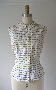 vintage cotton blouse / novelty print blouse by Dronning on Etsy