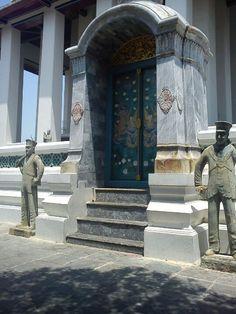 วัดสุทัศน์เทพวรารามฯ (Wat Suthat Thepwararam) - สำราญราษฎร์ - 146 Bamrung Mueang Rd. Get Directions, Bangkok, Four Square, Temple, Thailand, City, Temples, Cities
