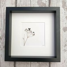 Welcome to my store Cow parsley & bird artwork depicted from tiny pebbles and dried cow parsley heads. My artwork is made to order therefore the number of people, animals and pets/animals can be easily changed to meet your requirements My designs are created and inspired by the