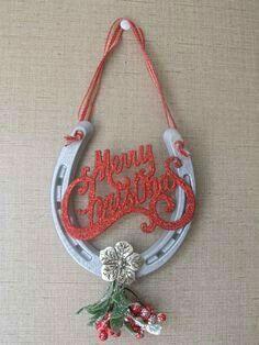Horse Shoe Mistole Merry Christmas Hanger by GranthamExpressions Horseshoe Christmas Tree, Western Christmas, Christmas Horses, Horseshoe Projects, Horseshoe Crafts, Horseshoe Art, Horseshoe Ideas, Christmas Projects, Holiday Crafts