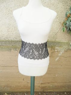 A unique kind of belt! This,corset inspired, belt embraces your waist beautifuly!!Make every outfit of yours look more elegant by wearing this beautiful