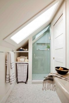 75 Beautiful Small Bathroom Shower Remodel Ideas 2019 75 Beautiful Small Bathroom Shower Remodel Ideas The post 75 Beautiful Small Bathroom Shower Remodel Ideas 2019 appeared first on Shower Diy. Tiny House Bathroom, Bathtub Remodel, Shower Remodel, House Bathroom, Bathroom Remodel Shower, Bathrooms Remodel, Small Bathroom With Shower, Small Attic Bathroom, Sloped Ceiling Bathroom