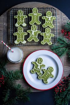 Don't fret about taste (like these shortbread cookies), one bite into this Matcha cookie and you'll be addicted! Matcha Milk, Matcha Green Tea, Matcha Set, Noel Christmas, Christmas Cookies, Christmas Brunch, Christmas Baking, Christmas Recipes, Biscuits
