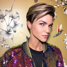 Short brown hair is very chic and rich and there are loads of ways that it can be taken care of to give the best outcomes. Much the same as every other hairstyle, the facial structure assumes a critical part in deciding the short brown. Ruby Rose Hair, Ruby Rose Style, Rose Actress, Rose Queen, Short Brown Hair, Pixie Hairstyles, Brown Hairstyles, Orange Is The New Black, Pixie Cut