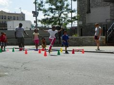 Asociación de Mujeres Progresistas, Inc. in Morris Heights, Bronx received $4,000 to establish a closed street for neighborhood youth and families to engage in outdoor activities, personal fitness, and the arts. This program fills the void of extracurricular activities for children in one of the poorest and least healthy neighborhoods in the nation.