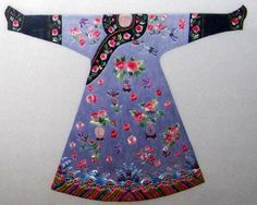 Chinese robe, hand embroidered with silk threads from Suzhou China