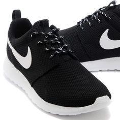 Black Nike Roshes Women's Black Nike Roshe's! Size 8.5! Brand new Nike Shoes