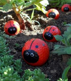 DIY Garden Art Projects to do Ideas y manualidades para el // Ideas and crafts for the school gardenIdeas y manualidades para el // Ideas and crafts for the school garden Diy Garden, Garden Projects, Art Projects, Garden Bugs, Cute Garden Ideas, Upcycled Garden, Garden Web, Balcony Garden, Garden Pond