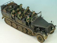 7 Mittlerer Zugkraftwagen 8 t von Matthias Andrezejewsky Trumpeter) Amphibious Vehicle, Model Tanks, Military Modelling, German Army, Toy Soldiers, Armored Vehicles, Skin So Soft, Tamiya, Dremel