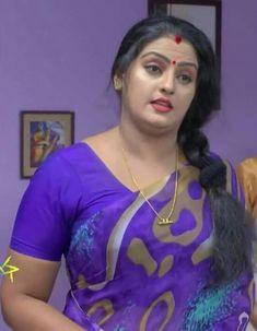 Beautiful Girl Indian, Beautiful Girl Image, Most Beautiful Indian Actress, Beautiful Curves, Beautiful Actresses, Most Beautiful Women, Beautiful Saree, Sexy Wife, Indian Beauty Saree