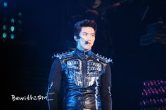 "[FAN] #15122012 – 2012 2PM LIVE TOUR ""What Time Is It"", TAIPEI TAIWAN. ©YingChih http://bewith2pm.com"