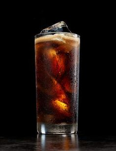 Dropping soda can even help you look younger, among several other health benefits. Click through for 7 amazing things that happen when you kick your pop addiction.