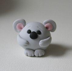 Round Koala Bear by Polymer Clay Animals, Cute Polymer Clay, Cute Clay, Polymer Clay Miniatures, Fimo Clay, Polymer Clay Charms, Polymer Clay Projects, Polymer Clay Creations, Clay Crafts