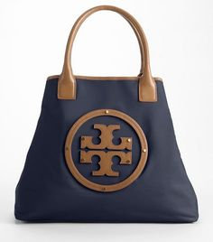 all the pocketbooks i like look the same!! I can't help loving a tote!!!!
