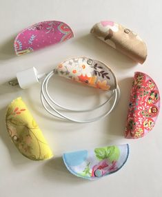 Cord Keeper, Cord Organization for small cords - Claire C. Cord Keeper, Cord Organization for small cords - Scrap Fabric Projects, Small Sewing Projects, Sewing Projects For Beginners, Fabric Scraps, Sewing Hacks, Sewing Tutorials, Sewing Crafts, Sewing Patterns, Sewing Tips
