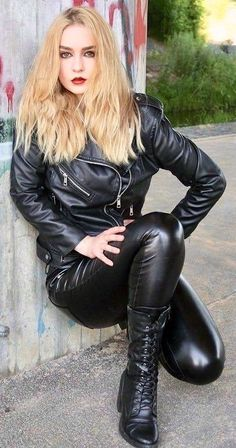 Leather Gloves, Leather Pants, Black Leather, Leather Outfits, Heavy Metal Girl, 70s Fashion, Womens Fashion, Lingerie For Sale, Gorgeous Blonde