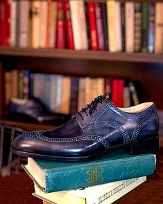 Handmade leather shoes for sale Mens Shoes Boots, Men's Shoes, Dress Shoes, Handmade Leather Shoes, Leather Skin, Penny Loafers, Luxury Shoes, Stylish Men, Slip On Shoes