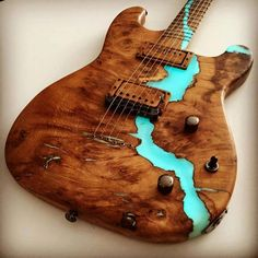 Fraser guitars                                                                                                                                                                                 Mais