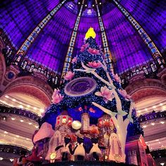 Wonderful Christmas tree in Galeries Lafayette Paris