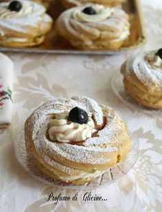 Zeppole di San Giuseppe in the oven on We Heart It Italian Pastries, Italian Desserts, Mini Desserts, Dessert Recipes, Ricotta Filling Recipe, Sweet Tooth, Bakery, Sweet Treats, Food And Drink