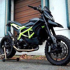 2011 Ducati Hypermotard 939 Stunt Black Matte