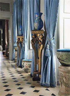 Enfilade with lovely silk curtains at French chateau Classic Interior, French Interior, French Decor, Silk Curtains, Drapery, Denim Curtains, Chatsworth House, Interior And Exterior, Interior Design