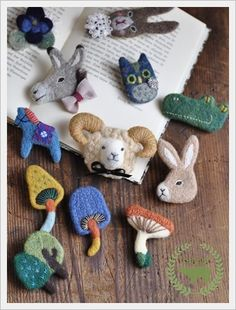 felting animal brooches                                                                                                                                                                                 もっと見る