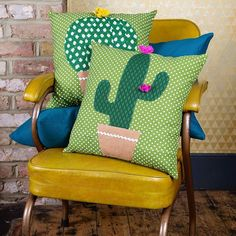 We LOVE these green cactus cushions here at The Northern Line. The Cactus seems to be having a moment in home ware this season. Cactus Craft, Cactus Decor, Cactus Plants, Indoor Cactus, Green Cactus, Cactus Cushion, Sewing Projects, Diy Projects, Sewing Pillows