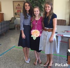 Jinger and Jana with a fan at the Commit Conference. Source: Duggar fan forever IG