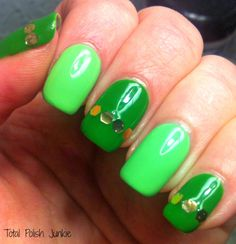 Total Polish Junkie: Simple St. Patty's Mani Using SinfulColors